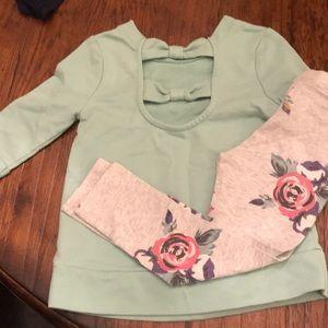 Old Navy sweatshirt & leggings set - 4T
